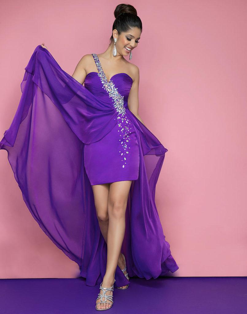 Robe violette courte devant longue derrière asymétrique orné de strass