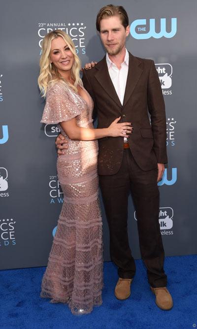 Karl Cook et son fiancé Kaley Cuoco