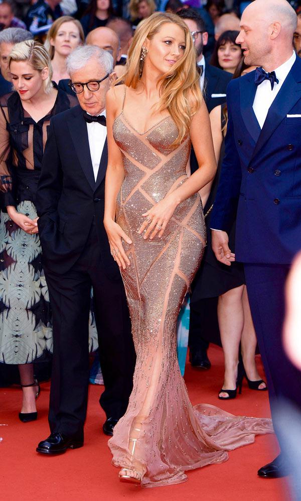 robe de soirée Blake Lively dorée fourreau