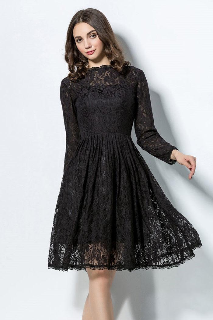 Robe de cocktail courte genoux manches longues en dentelle noire