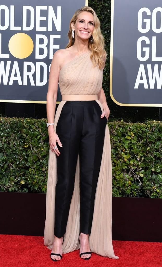 combinaison nude et noire asymétrique Julia Roberts Golden Globes 2019