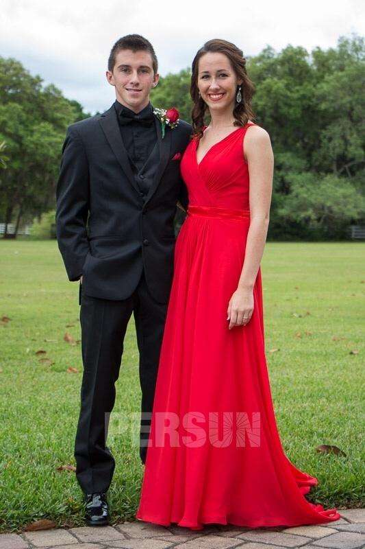 robe de bal rouge col en V