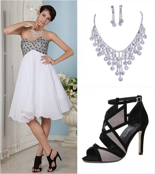robe de cocktail patineuse, bijoux et sandale noire