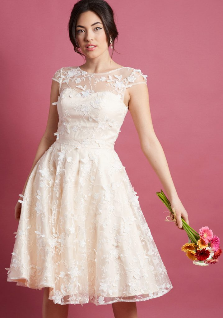 robe de cocktail blanche dentelle florale 3D
