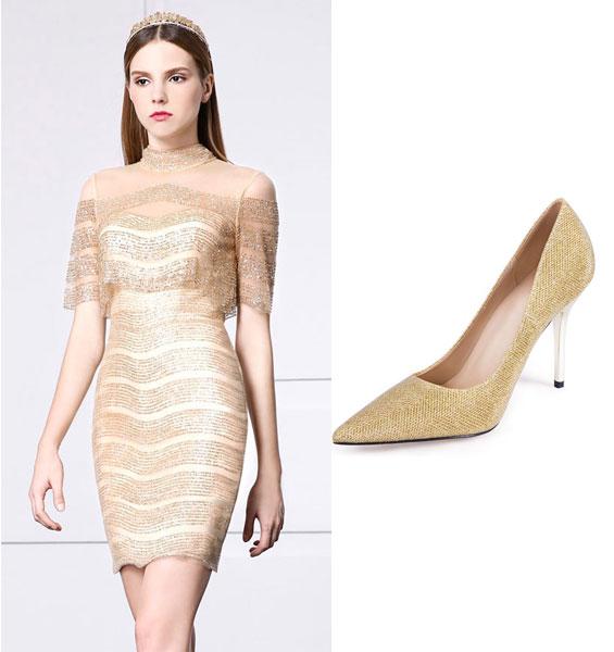 robe de soirée en sequin courte et escarpin doré