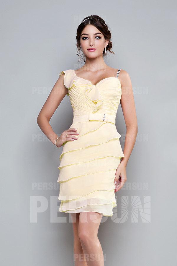 robe de cocktail jaune moulante bustier coeur plissé jupe volante avec bretelles asymétrique