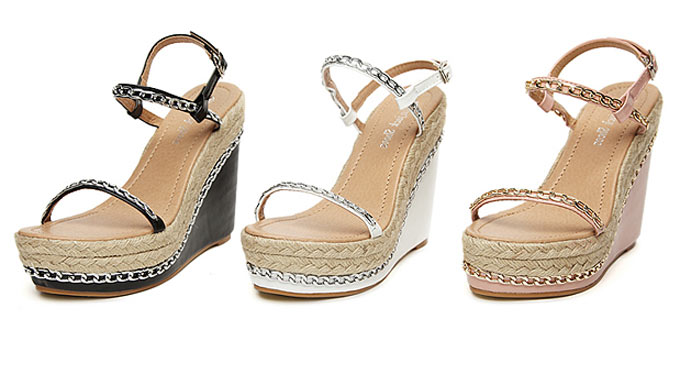 Chaussure à talon compensé : accessoires idéaux pour un look plus féminin