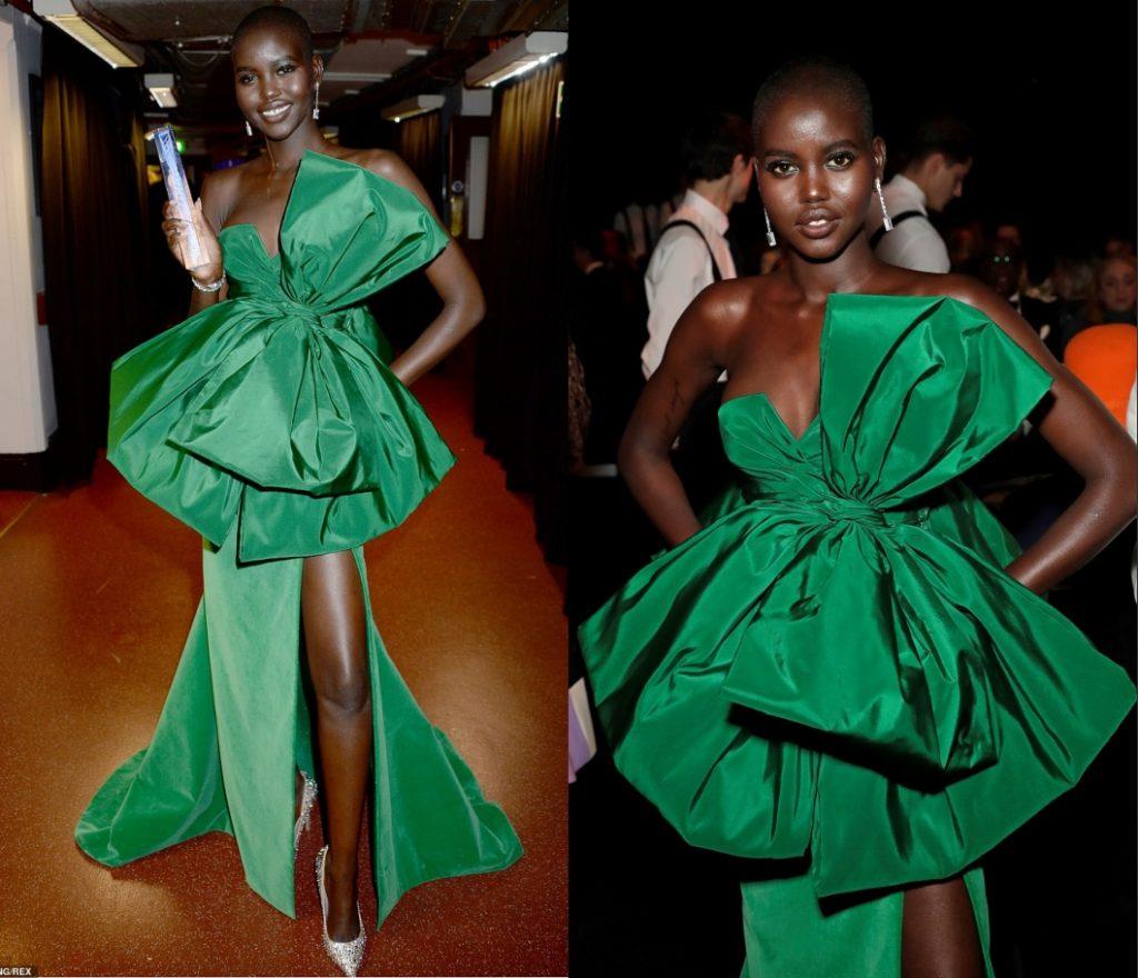 Adut Akech en robe de soirée verte