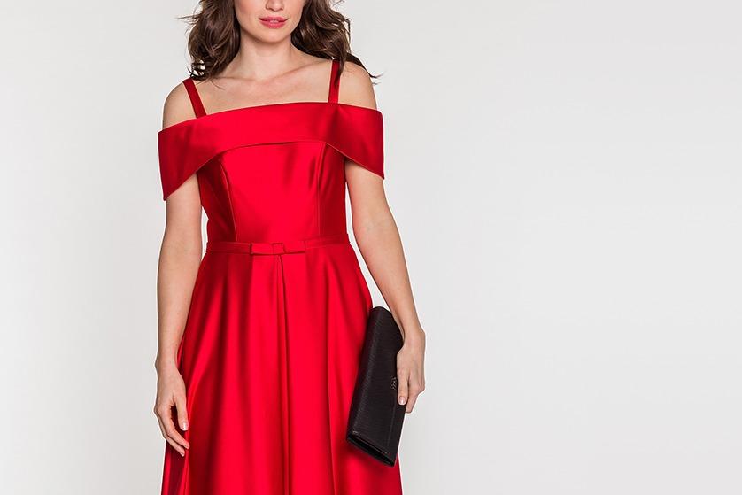 robe cocktail rouge à épaule dénudée