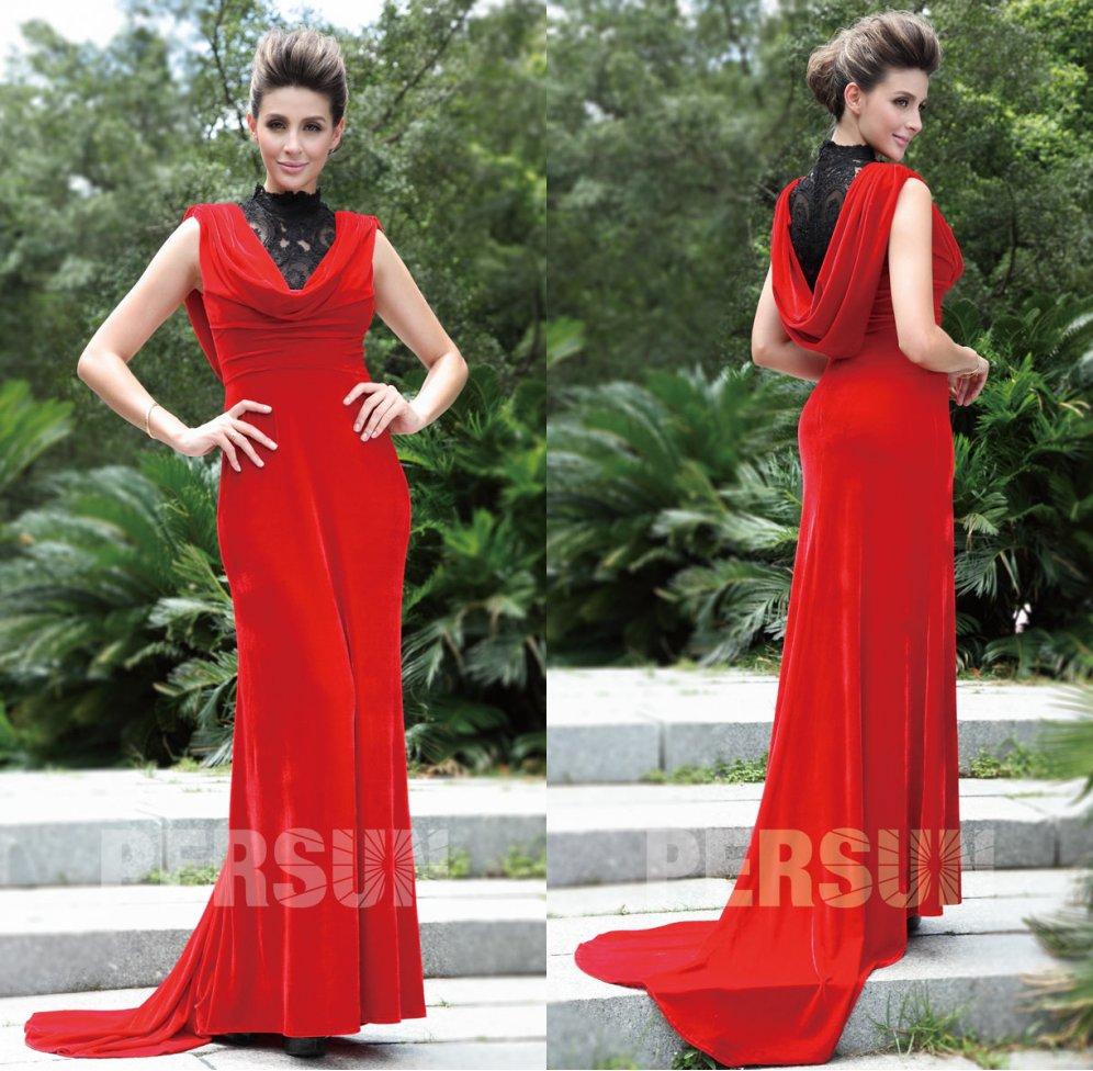 robe soirée rouge fourreau en velours col bénitier avec dentelle